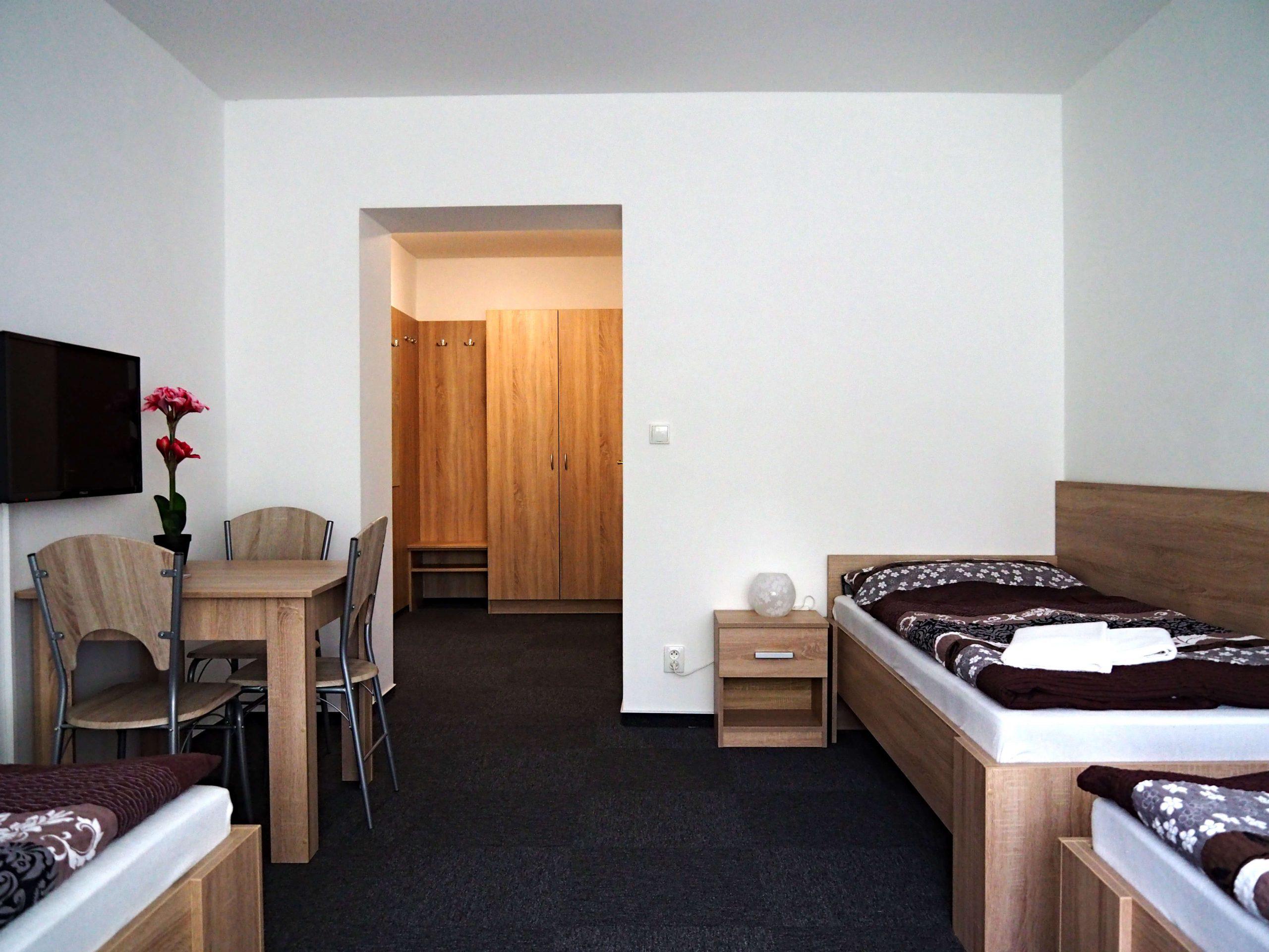 Hotel Astra Srby Kladno Pokoj 201B (1)